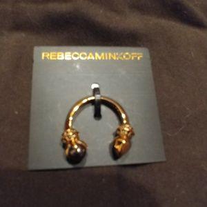 Beautiful horseshoe pendent